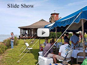 View a slide show of the clambake